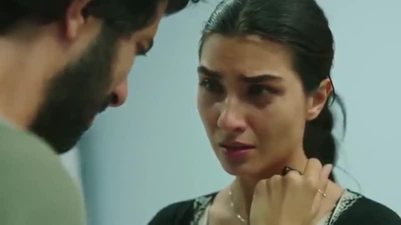 Elif esta en shock, ella sabe que esa decisión le va a afectar a Ömer porque es un hombre con principios y no se perdonará - Amo