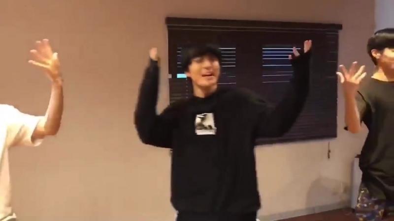 最近ハマってるWHERE R U FROM踊ってみました - あんまり上手くないけど楽しさ重視で - - BIGBANG VI SEUNGRI スンリ WINNER MINO ミノ コラボ YG VI_THEGREATFLASHMOB - フラッシュモブ