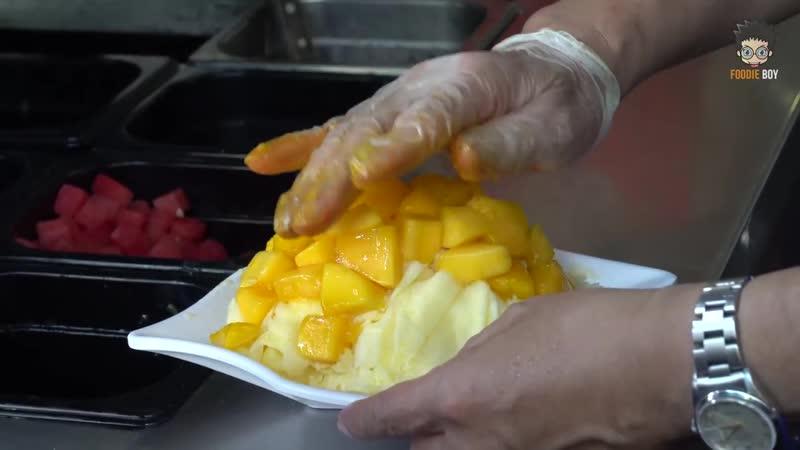 Super Mango Snowflake _ Taiwanese Street Food _ Old Street, Shifen Taiwan