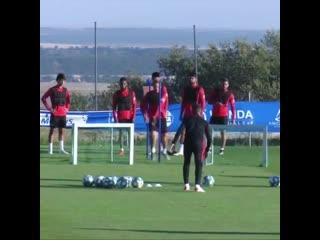 Футбольные упражнения для защитников от Атлетико Мадрид