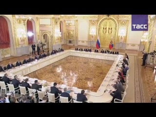 Владимир Путин принимает участие в заседании Совета по науке и образованию