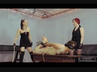 Two mistresses bastinado a slave-3