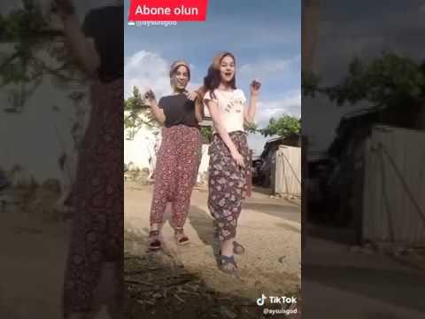 Liseli Kızlar Eglenceli Dans Videosu Tik Tok