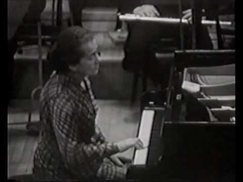 Annie Fischer - Beethoven Piano Concerto no. 1 part 3/5