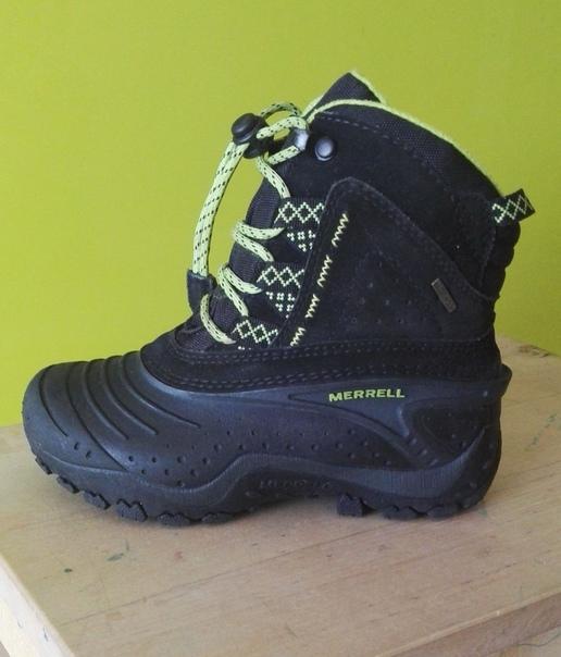 Продам детские ботинки MERRELL