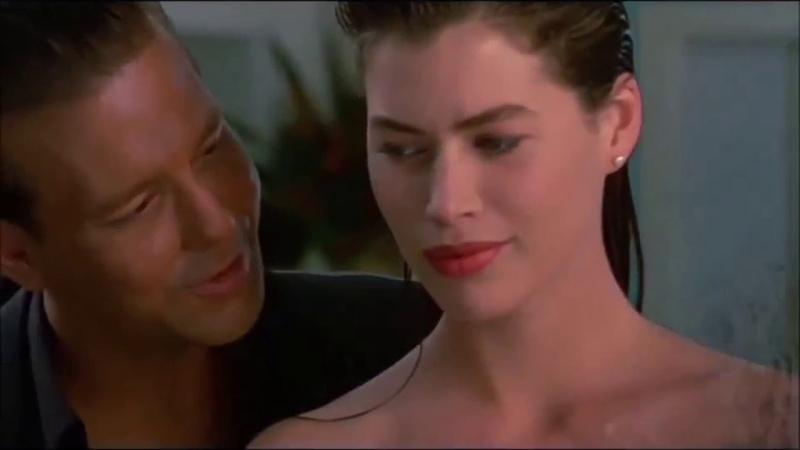 Нэнси Дым сигарет с ментолом Кадры из фильма Дикая орхидея