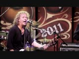 Night_Ranger_Dont_Tell_Me_You_Love_Me_-_NAMM_2011_with_Taylor_Guitars1