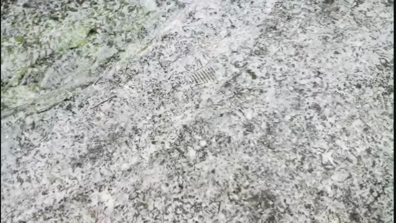 непонятный снег
