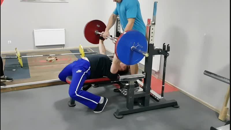 Тренировка, жим 160 кг