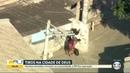 Bandidos abrem fogo contra blindado da PM na Cidade de Deus