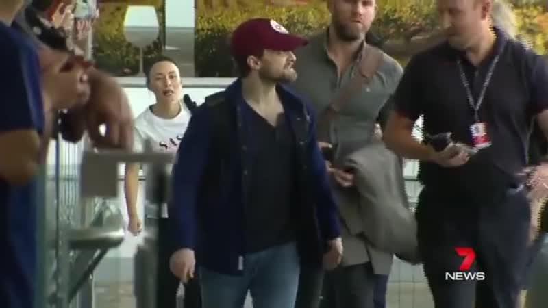 Дэн прилетел в Австралию