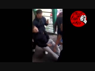 Street fight vines #400 уронил (by sokolov)