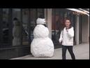 Kardan adam şakası 1 05'te şakayı Türk kıza yapar ve kalayı yer