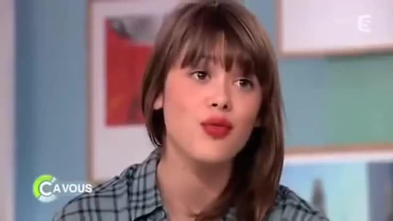 La jeune fille qui ce fait insulte de pute par nicola Bedos quelle honte !
