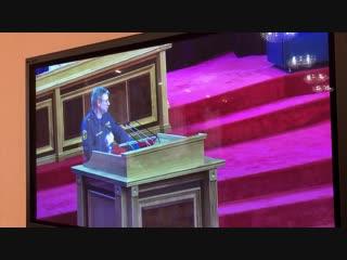 Вячеслав Рябов задает вопрос на заседании Курултай РБ
