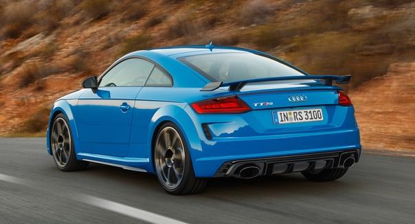 Купе и родстер Audi TT RS: номинальный рестайлинг Фото: компания AudiПрошлым летом семейство Audi TT претерпело плановую модернизацию, в результате которой изменились внешность и гамма силовых
