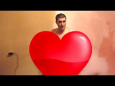Эльдар Богунов поет песню о любви!