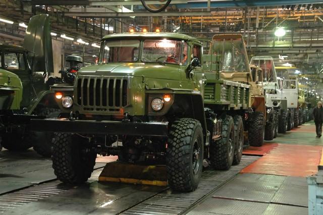 Автомобильным инженерам часто поручают вносить коррективы, такие как замена радиаторной системы, между различными модельными годами одной и той же производственной линии