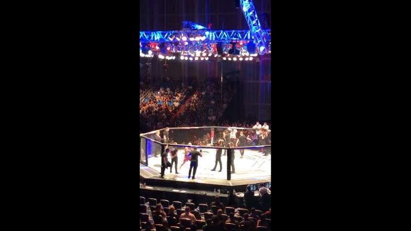 Выход 2 Адама Яндиева любительская съёмка UFC