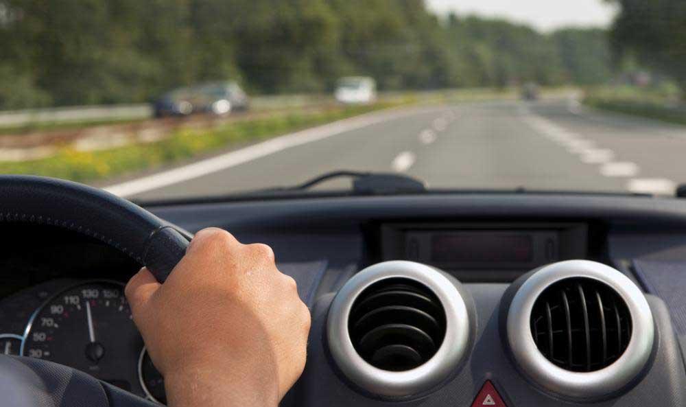 Блоки кондиционирования воздуха используются в большинстве автомобилей для регулирования температуры воздуха в салоне