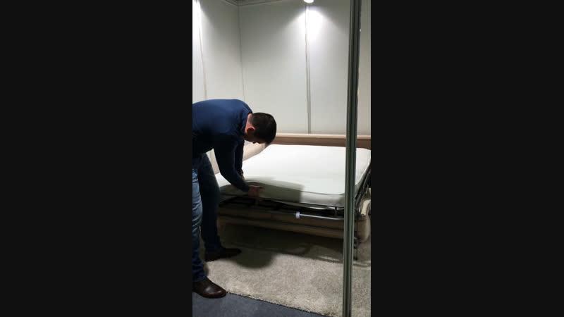 Диван легко превращается в кровать