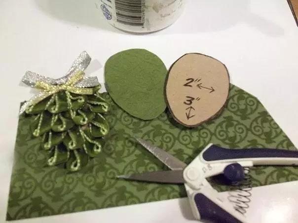 Шишка из лент как сделать своими руками украшение на елку