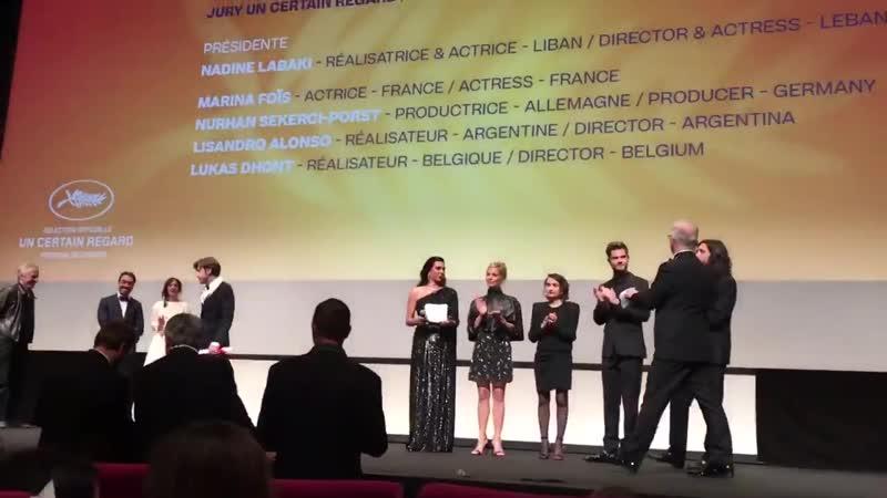 Aquí el moment en que Albert Serra recull el Premi Especial del Jurat de la secció Un certain regard de Cannes2019 pel seu film