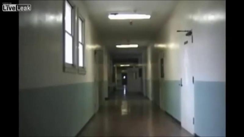 камера в школе запечатлила призрака