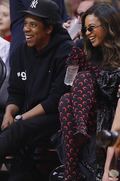 Бейонсе и Джей-Зи сходили на баскетбольный матч