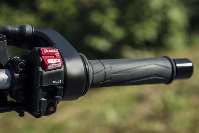 EICMA 2018: трицикл Yamaha Niken GT 2019