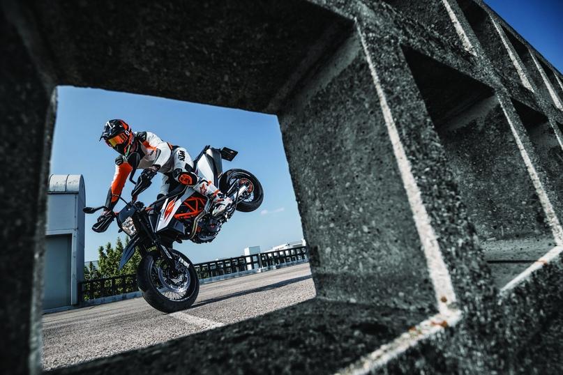 EICMA 2018: супермото KTM 690 SMC R 2019