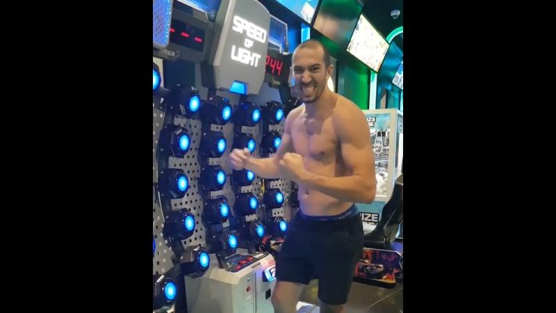 Дэйв Ледюк чемпион MLWC по бирманскому боксу зрительно моторная координация
