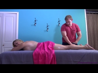 Сын сделал массаж и трахнул маму, son massage oil mom orgasm family incest fuck sex porn pussy (Инцест со зрелыми мамочками 18+)