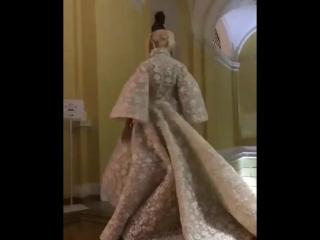 Яна Рудковская на показе моды