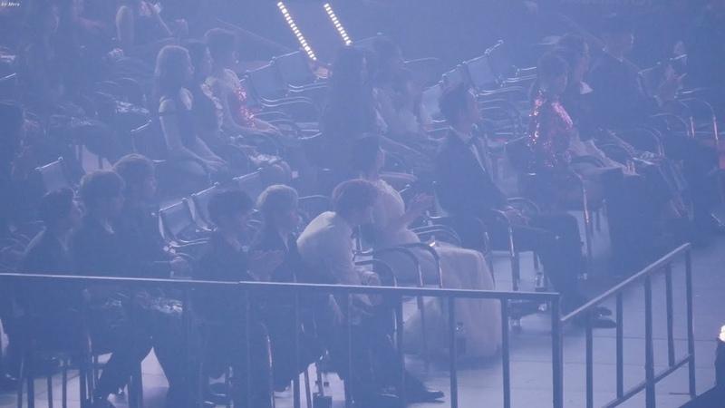 181128 트와이스(TWICE),아이유(IU),워너원 방탄소년단 (BTS) - FAKE LOVE Reaction [4K] 직캠 (Asia Artist Awards) by Mera