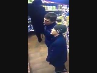 Подозреваемые в похищении денег из магазина на Советской