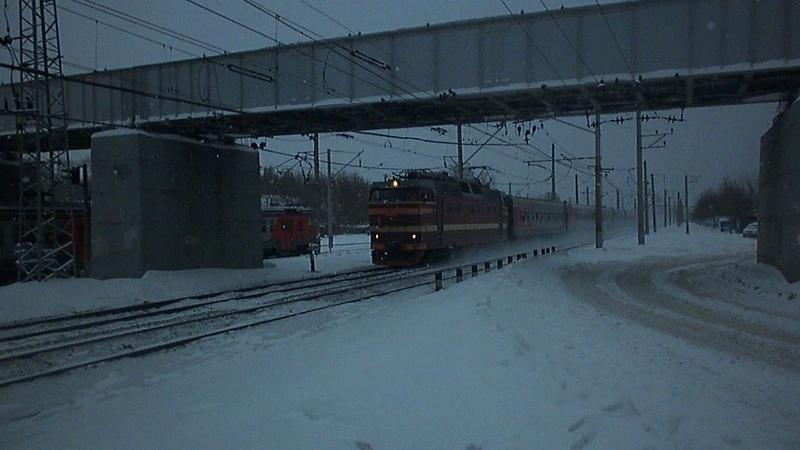 Электровоз ЧС2Т-973 с поездом №104Ж «Дневной Экспресс» Саратов — Уфа