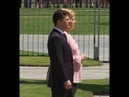 Меркель трясет на встрече с Зеленским Тремор Ангелы Меркель стало плохо Нос схож