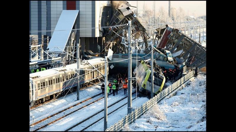 крушении поезда в Анкаре, ранены более 40 человек, есть погибшие