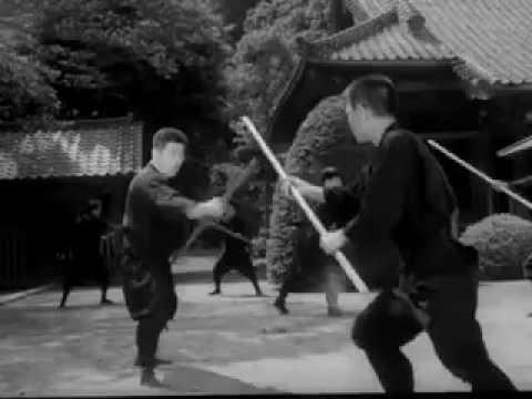Hatsumi Masaaki demonstrating Kukishinden Ryū Bōjutsu in the 1960s