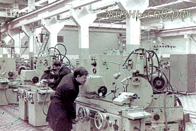 Литовская ССР. г. Вильнюс. На станкостроительном заводе. Архивные фото прошлого века