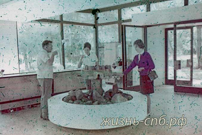 Советская литва. Курорт Ликенай. У минерального источника. Старые фотографии