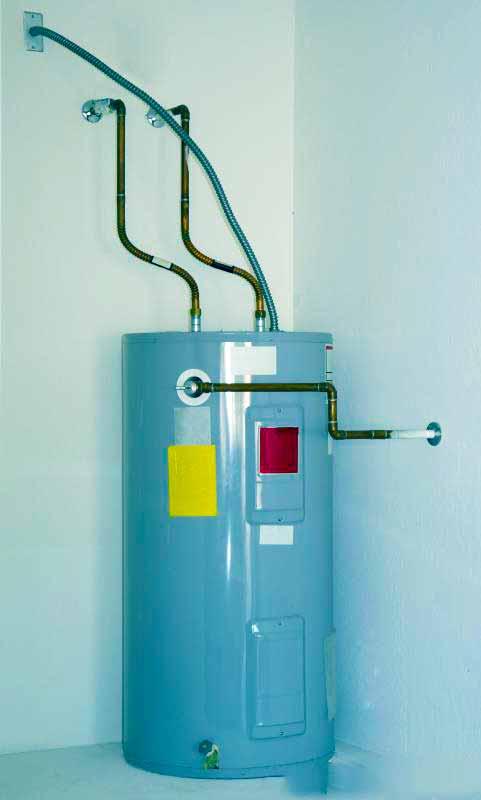 Водонагреватели резервуарного типа вмещают до 80 литров воды.