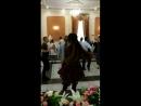 Сестра танцует