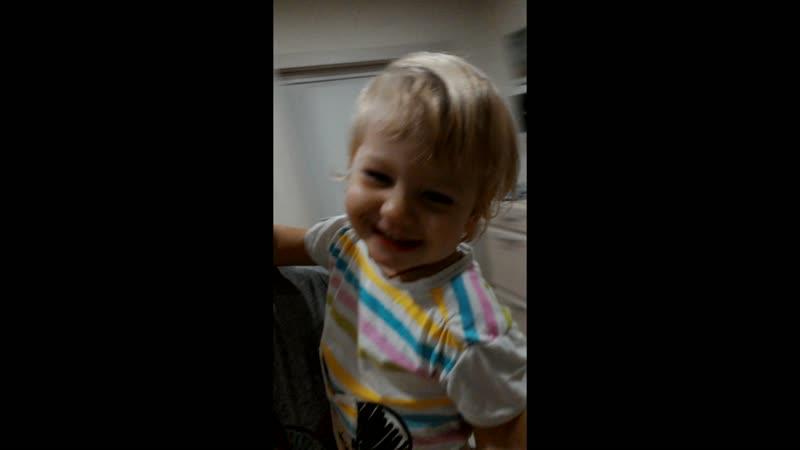 Улыбка бесценна тем более детская тем более родного человечка тем более моей дочурки