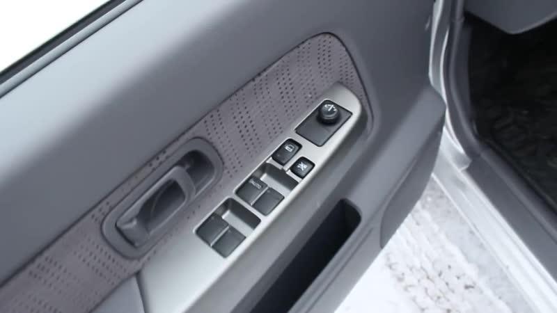 2013 Ниссан NP300 Comfort. Обзор (интерьер, экстерьер, двигатель)