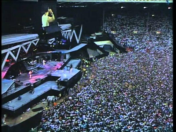 QUEEN - Another One Bites The Dust - We Are The Champions - Wembley 1986