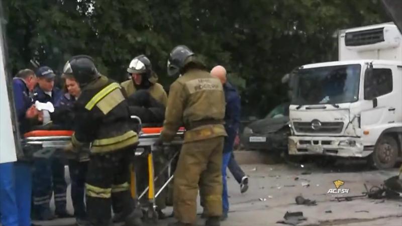 Авария на Сибиряков-Гвардейцев