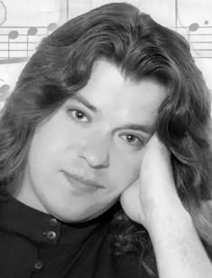 past Евгений Белоусов. Евгений Викторович Белоу́сов (10 сентября 1964, д. Жихарь - 2 июня 1997, Москва), более известный как Женя Белоу́сов - советский и российский поп-певец. Биография.