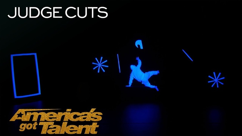 UDI Dance Glowing Dance Group Performs In Complete Darkness America's Got Talent 2018